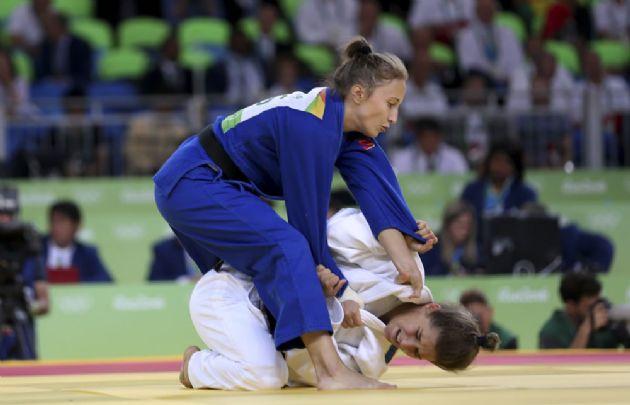 Messi felicita a judoca Paula Pareto por medalla de oro