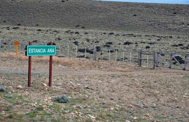 Encapuchados asaltaron una de las estancias de Lázaro Báez