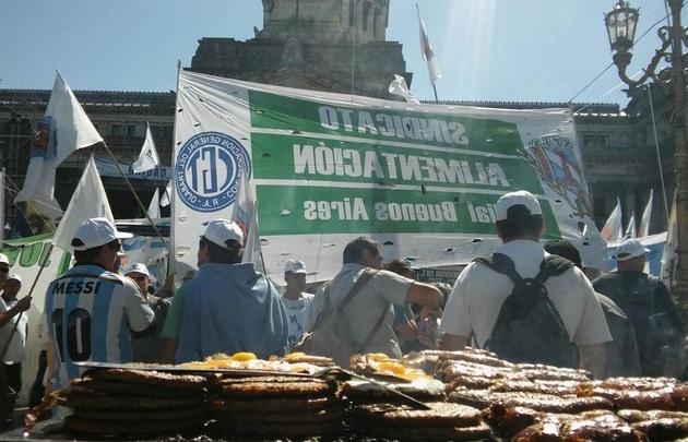Contundente mensaje del movimiento obrero a Macri