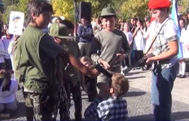 La Cumbre: alumnos representaron los fusilamientos durante la dictadura