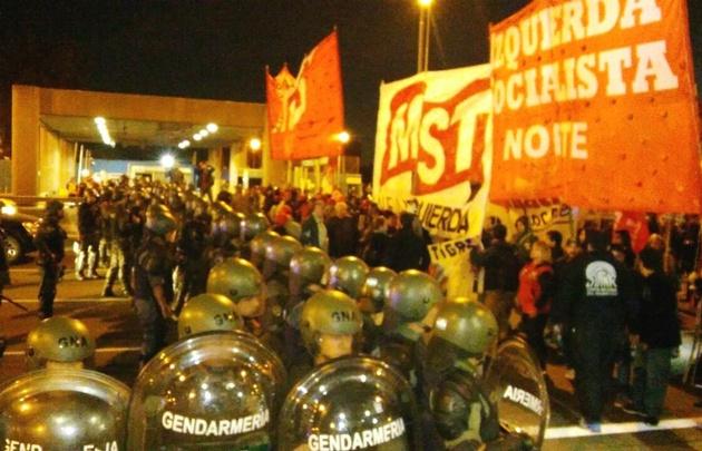 Gendarmería aplicó protocolo antipiquete y desalojó corte en Panamericana — ARGENTINA