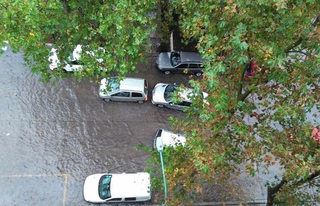 Mar del Plata quedó bajo el agua tras un fuerte temporal