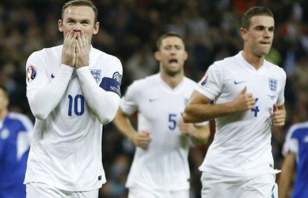 Inglaterra logra empatar con Escocia en un final de infarto
