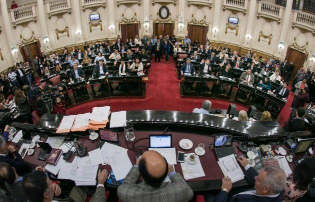 Córdoba: aprueban una ley que prohíbe los paros de transporte