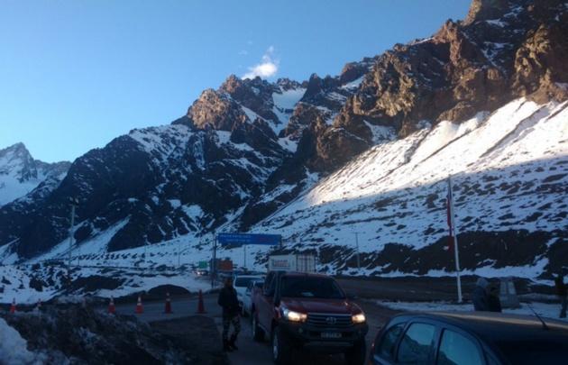 Camiones varados, intensas nevadas y riesgo de avalancha — Alta Montaña
