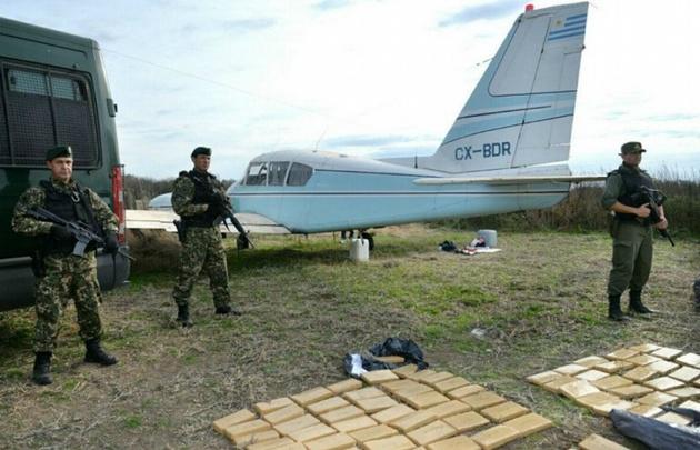 Detectan 2 toneladas de cocaína que arrojó una avioneta — Santiago