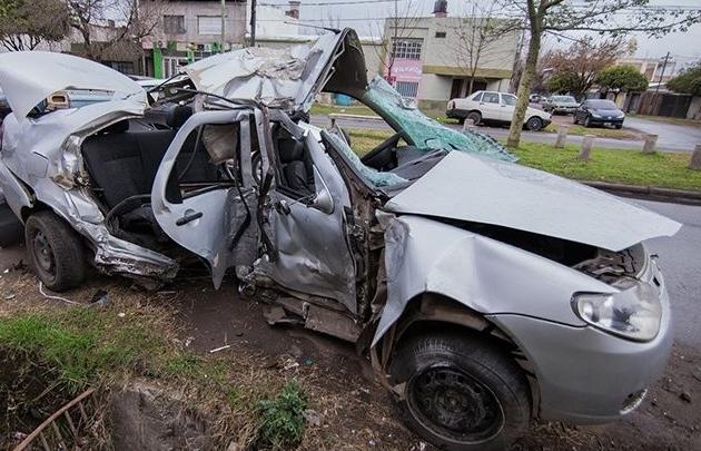 Murió una niña al chocar un auto conducido por un menor