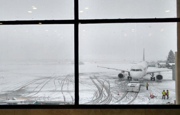 Intensas nevadas: Se normalizan las operaciones en el aeropuerto de Ushuaia