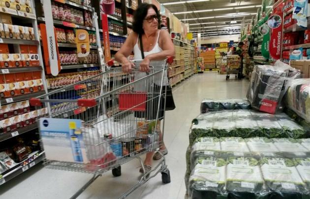 Las ventas en supermercados cayeron 2,5% interanual