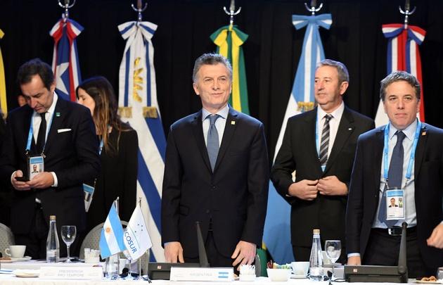 Mercosur insta a restablecer el orden institucional en Venezuela ya dialogar