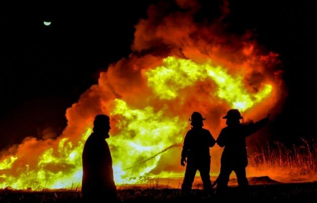Denuncian a bomberos que provocaban incendios para cobrar por su extinción