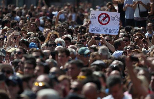 Dos sospechosos fueron detenidas por la policía — Atentado en Barcelona