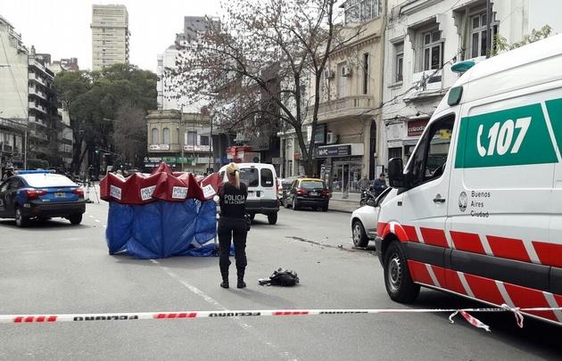 Un patrullero atropelló a una mujer