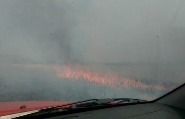 Es crítica la situación por el incendio en Cosquín: evacuaron a vecinos