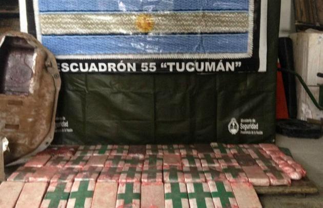 Gendarme detenido por llevar 40 kilos de cocaína en tanque de nafta