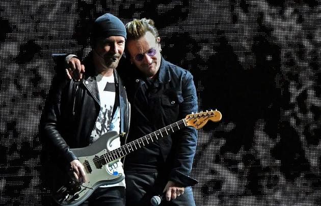 Tras el recital, imágenes de Bono en la noche porteña — Te seguiré