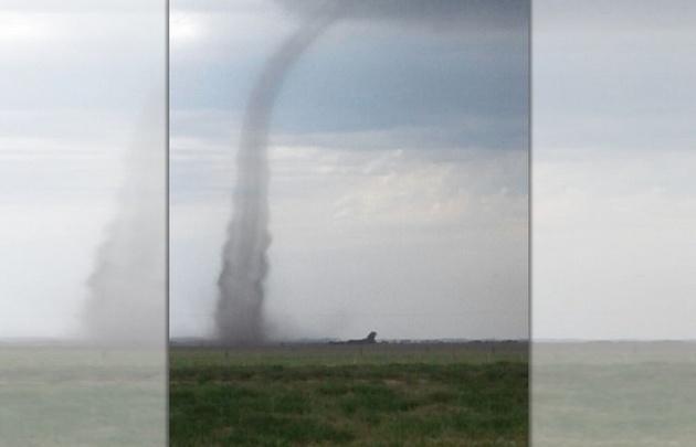 Filmaron impactante tornado que causó pánico en Córdoba