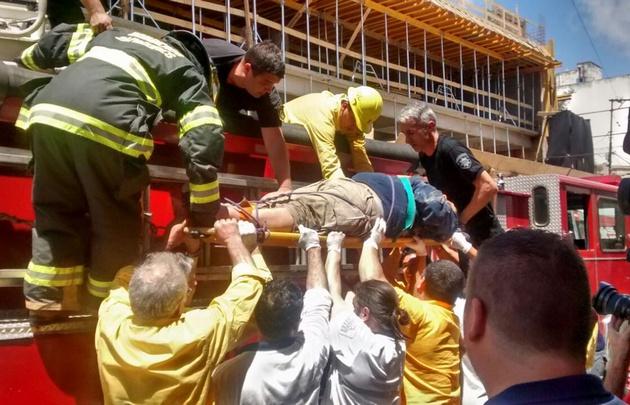 Varios heridos tras derrumbe en la obra de Tribunales — Santa Fe