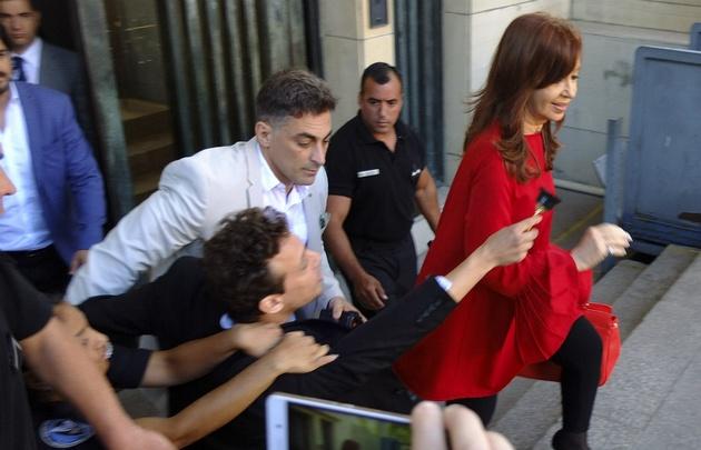 Le quisieron entregar un Oscar de plástico a Cristina Kirchner