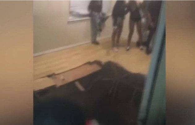 Aterrador: Colapsa piso durante una fiesta en Texas