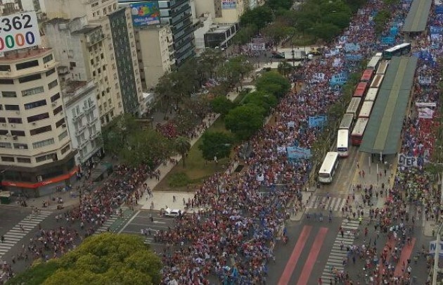Nueva marcha de movimientos por la agenda social