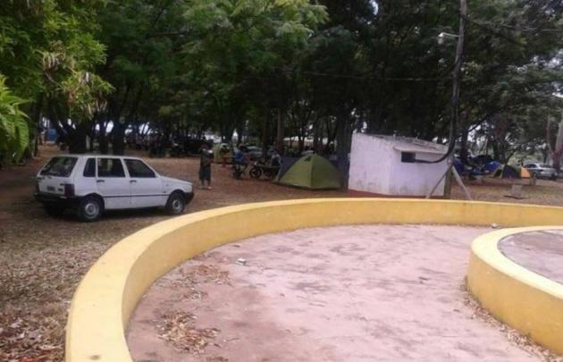 Dos jóvenes murieron tras caer un rayo en un camping de Corrientes