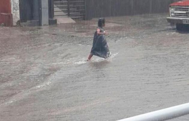 Una persona desaparecida y 150 evacuadas por un temporal en norte argentino
