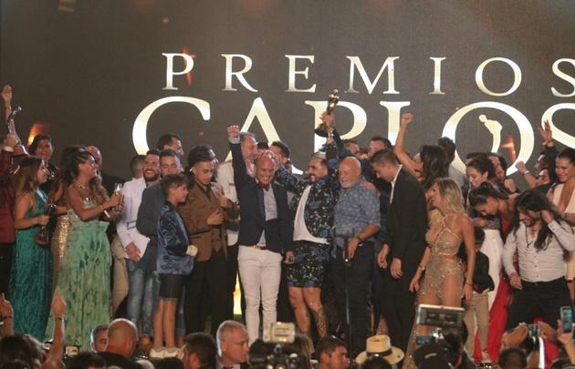 Un terrible papelón en la entrega de los premios Carlos