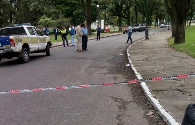 Un hombre mató a tiros a 2 policías en un parque — Tucumán