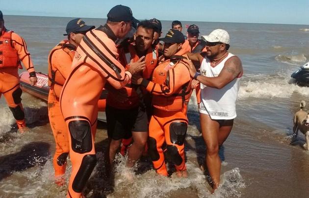 San Clemente del Tuyú: rescate a kayakista, dos días a la deriva