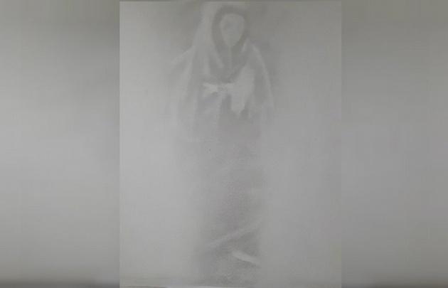 Apareció una imagen de la Virgen en el Hospital Militar