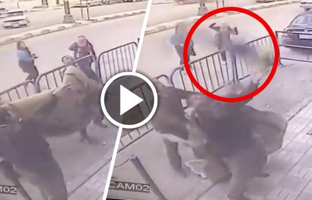 Increíble cómo policía atrapa niño que cae de un balcón en Egipto