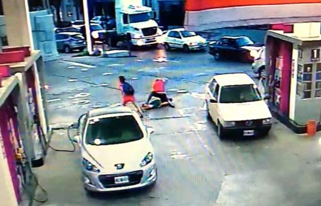 Enfrentó a un motochorro y casi lo mata — Violencia y locura
