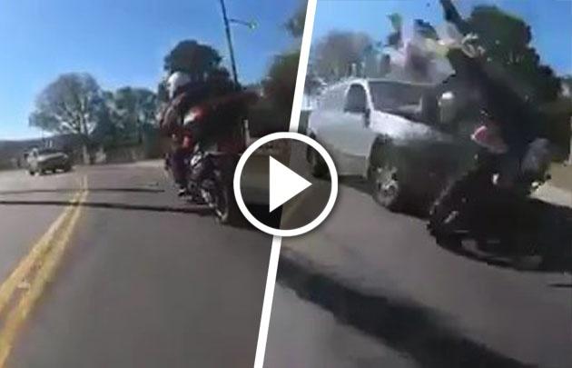 Moto y auto chocaron de frente en el Camino del Cuadrado